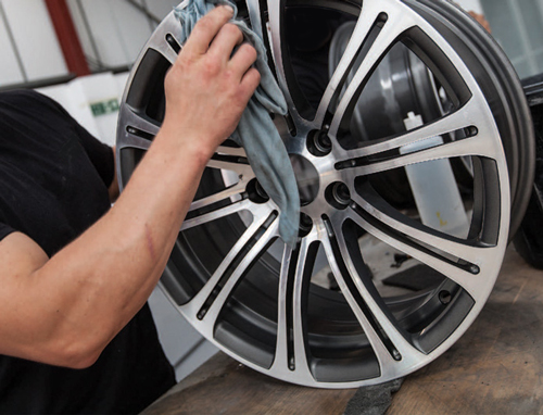 Alloy wheel refurbishment image2