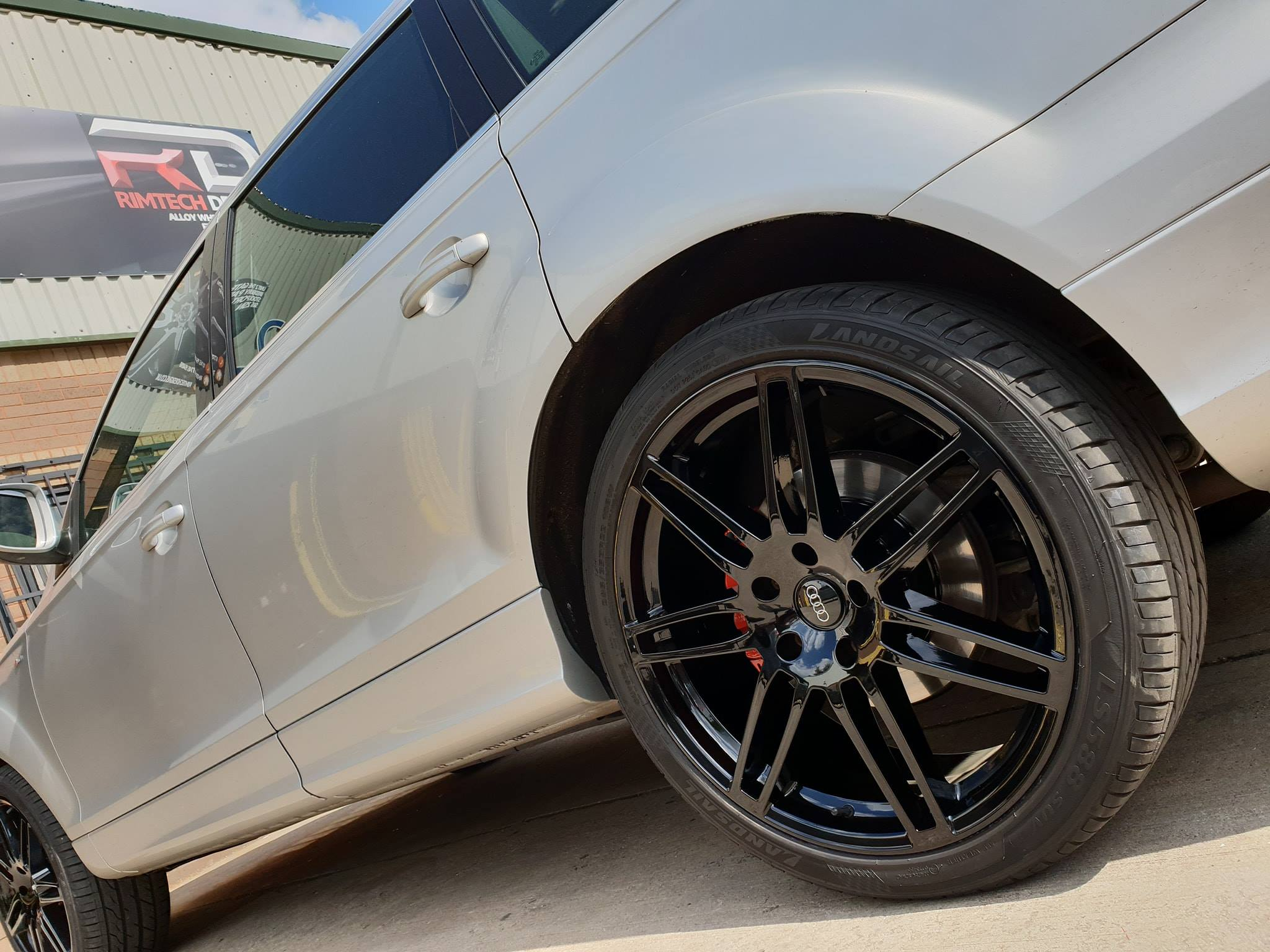 Quality Alloy Wheel Refurbishment  Trafford Park | Not the cheapest, but we are the best